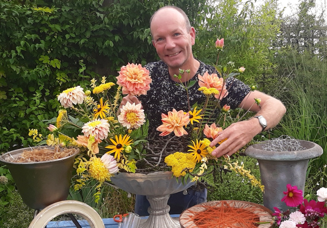 Ditch the plastic and go blooming retro says celebrity florist Jonathan Moseley
