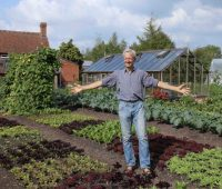 Charles Dowding's No Dig Gardening – From Weeds to Vegetables Easily and Quickly