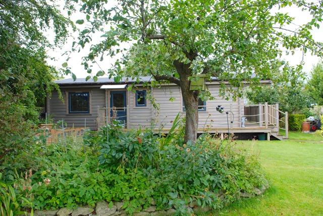 Log cabin annex